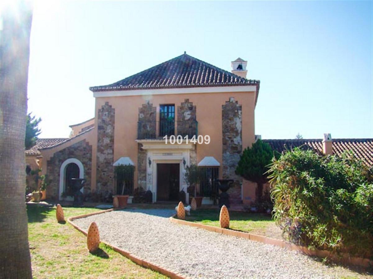 €2,700,000 - Cortijo in Manilva - R894591