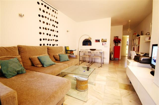 R3252520: Apartment for sale in Estepona