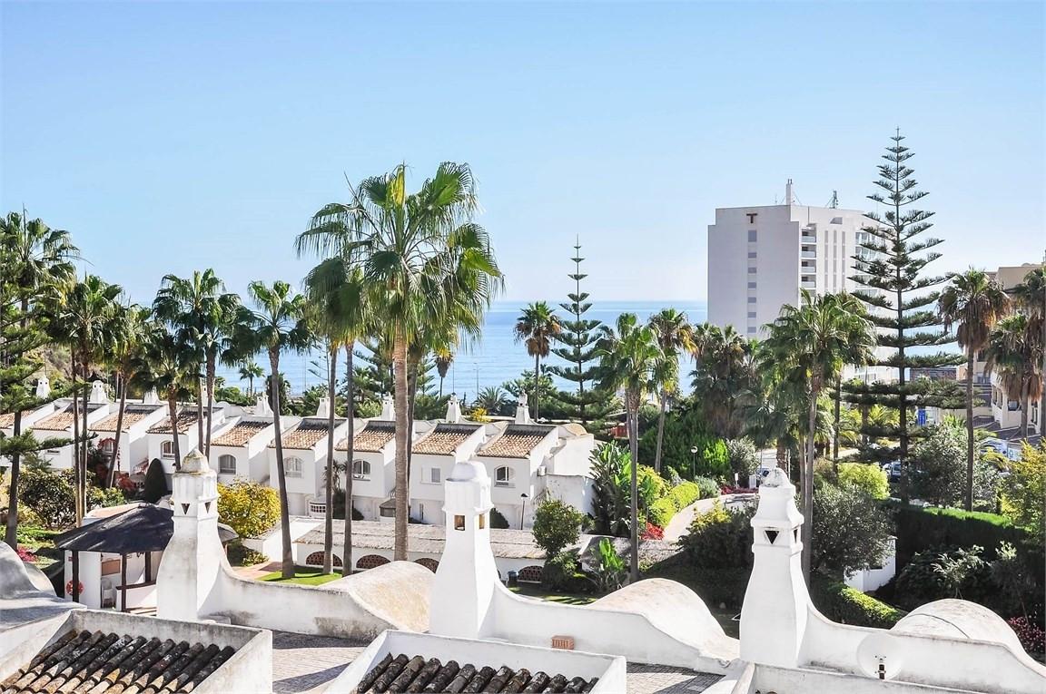 Townhouse, Torrequebrada, Costa del Sol. 3 Bedrooms, 2 Bathrooms, Built 150 m².  Setting : Town, Vil,Spain
