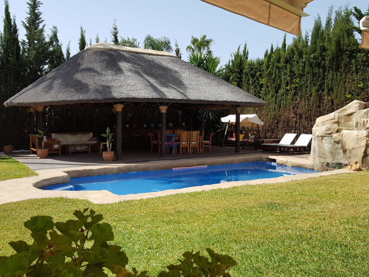Detached villa for sale in Mijas Golf, only few minutes driving away from the coast, Fuengirola and ,Spain