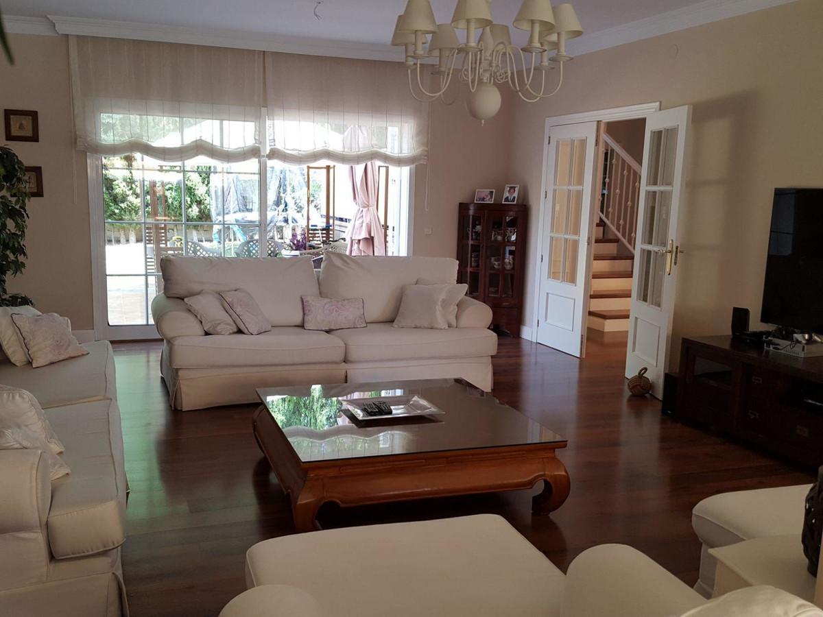 Villa con 4 Dormitorios en Venta Mijas Golf