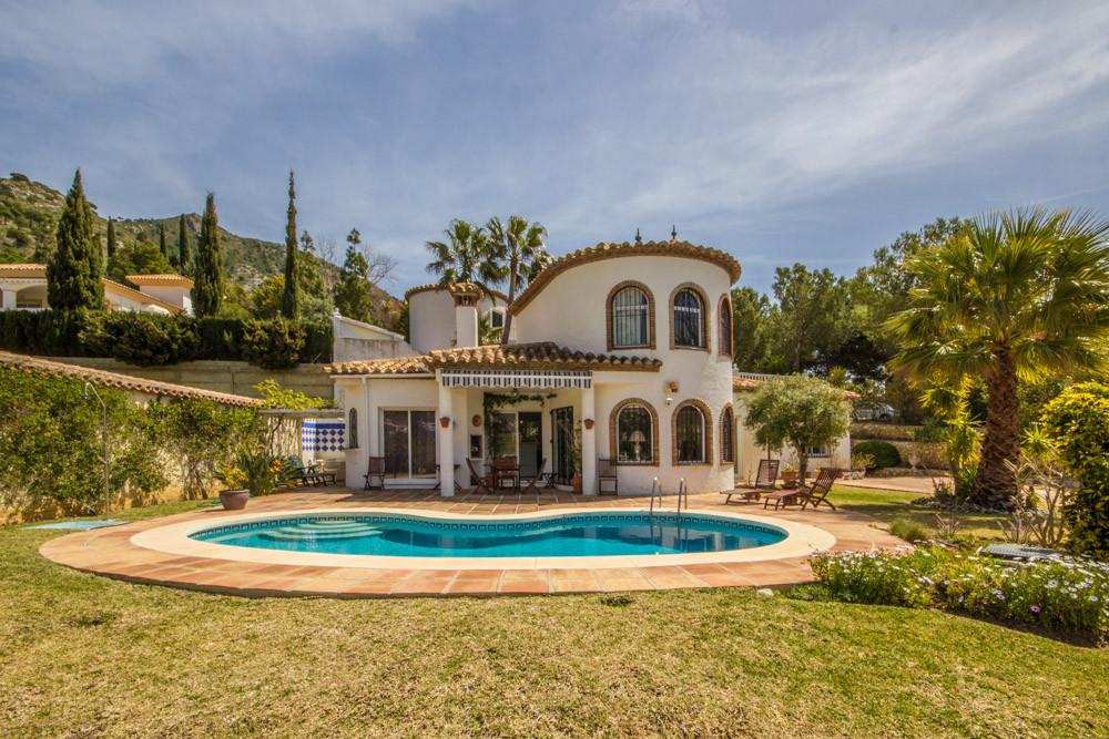 Detached Villa in Mijas R3146932