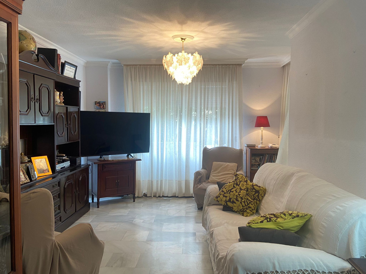 Apartment Middle Floor Marbella Málaga Costa del Sol R3933358 2
