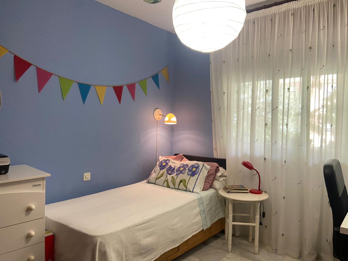 Apartment Middle Floor Marbella Málaga Costa del Sol R3933358 9