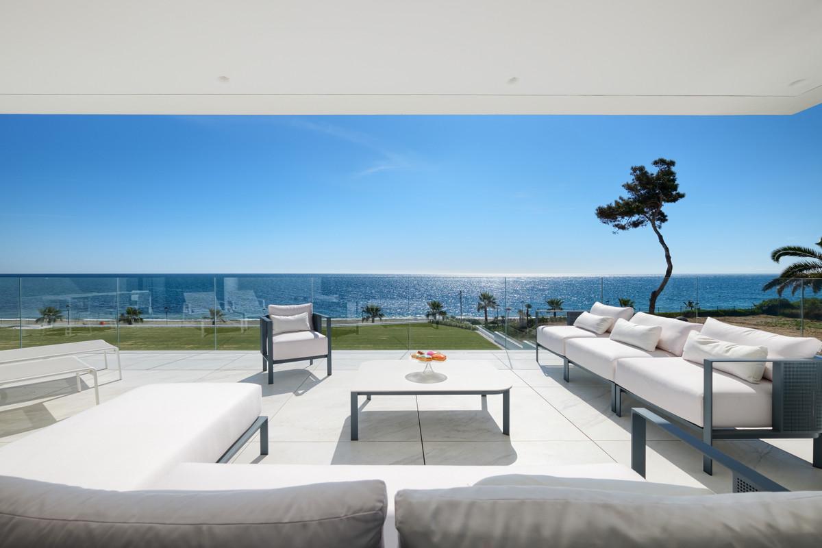New Golden Mile, Estepon  Frontline beach brand new 4-bedroom first-floor apartment in the top luxur,Spain