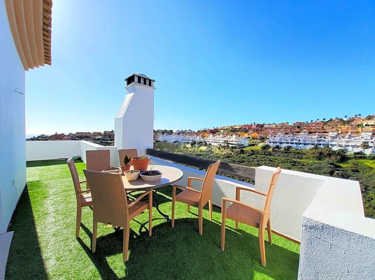 Apartment  Penthouse for sale   in La Alcaidesa