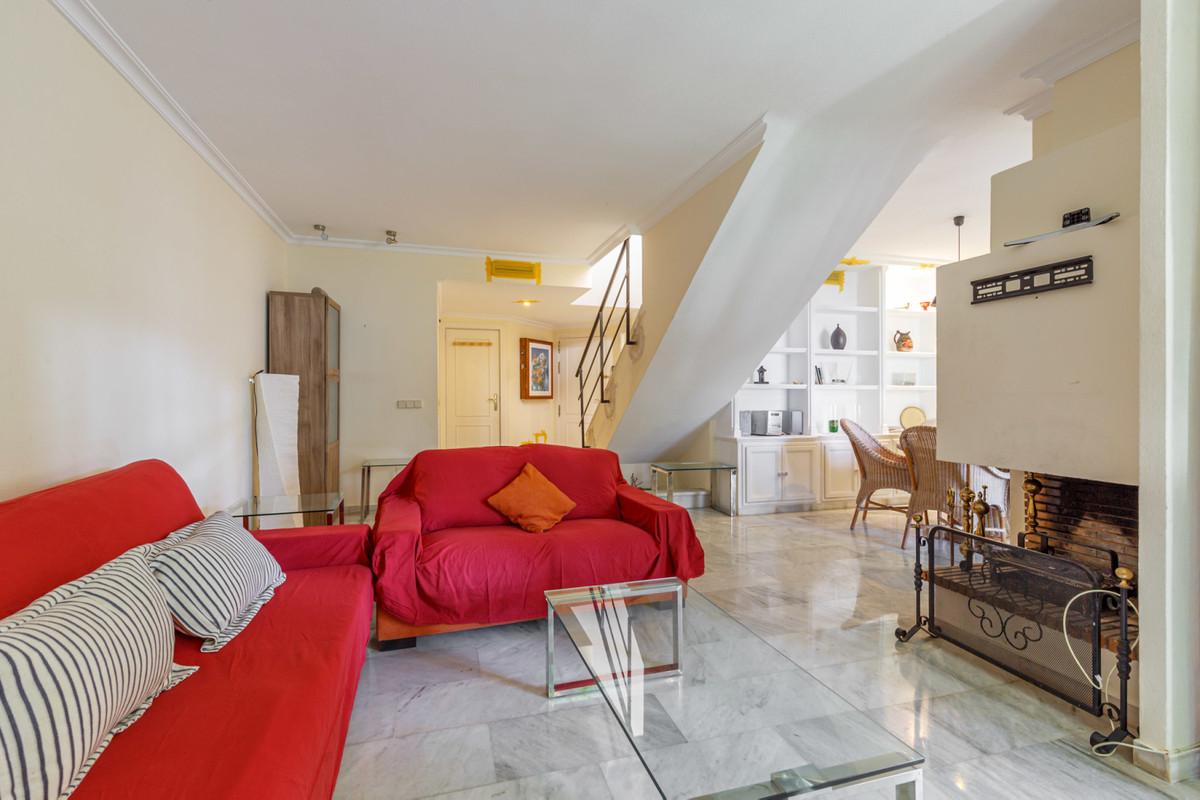 Reihenhaus Stadthaus in Nueva Andalucía R3554605