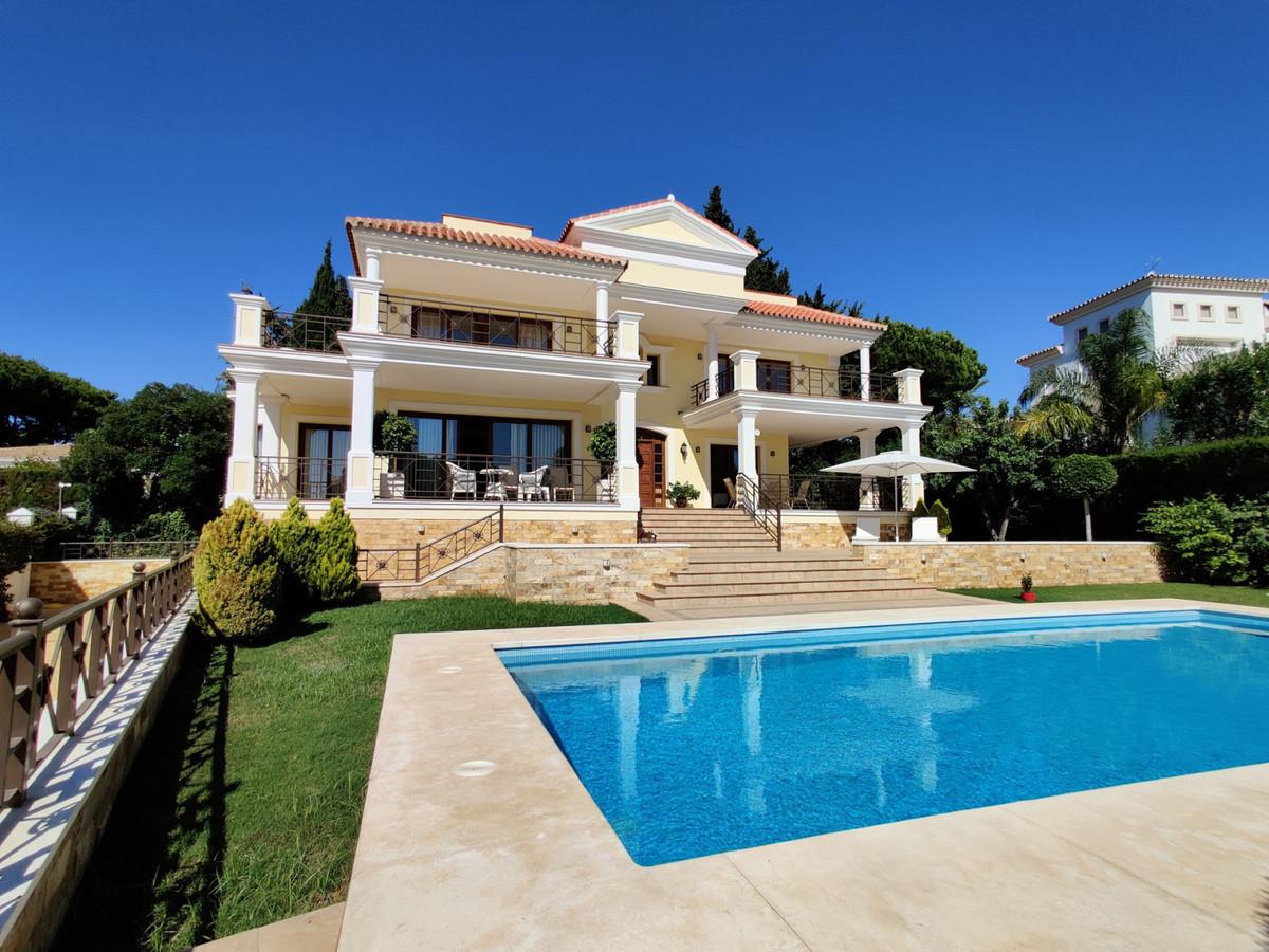Villa  Detached for sale   in Hacienda Las Chapas