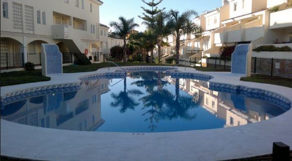 Well presented, 3 bedroom duplex apartment, located in Calahonda, Urbanization Buenavista. Very popu,Spain