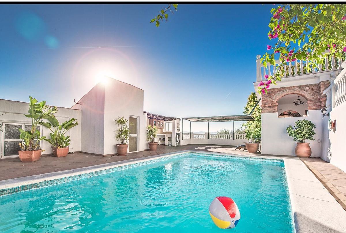 ,Detached 4 storey 7 Bedroom 5-bathroom Villa, situated in an upmarket residential area of Gibraltar,Spain