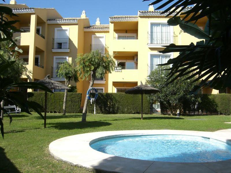Middle Floor Apartment, Marbella, Costa del Sol. 3 Bedrooms, 2 Bathrooms, Built 115 m², Terrace 15 m,Spain
