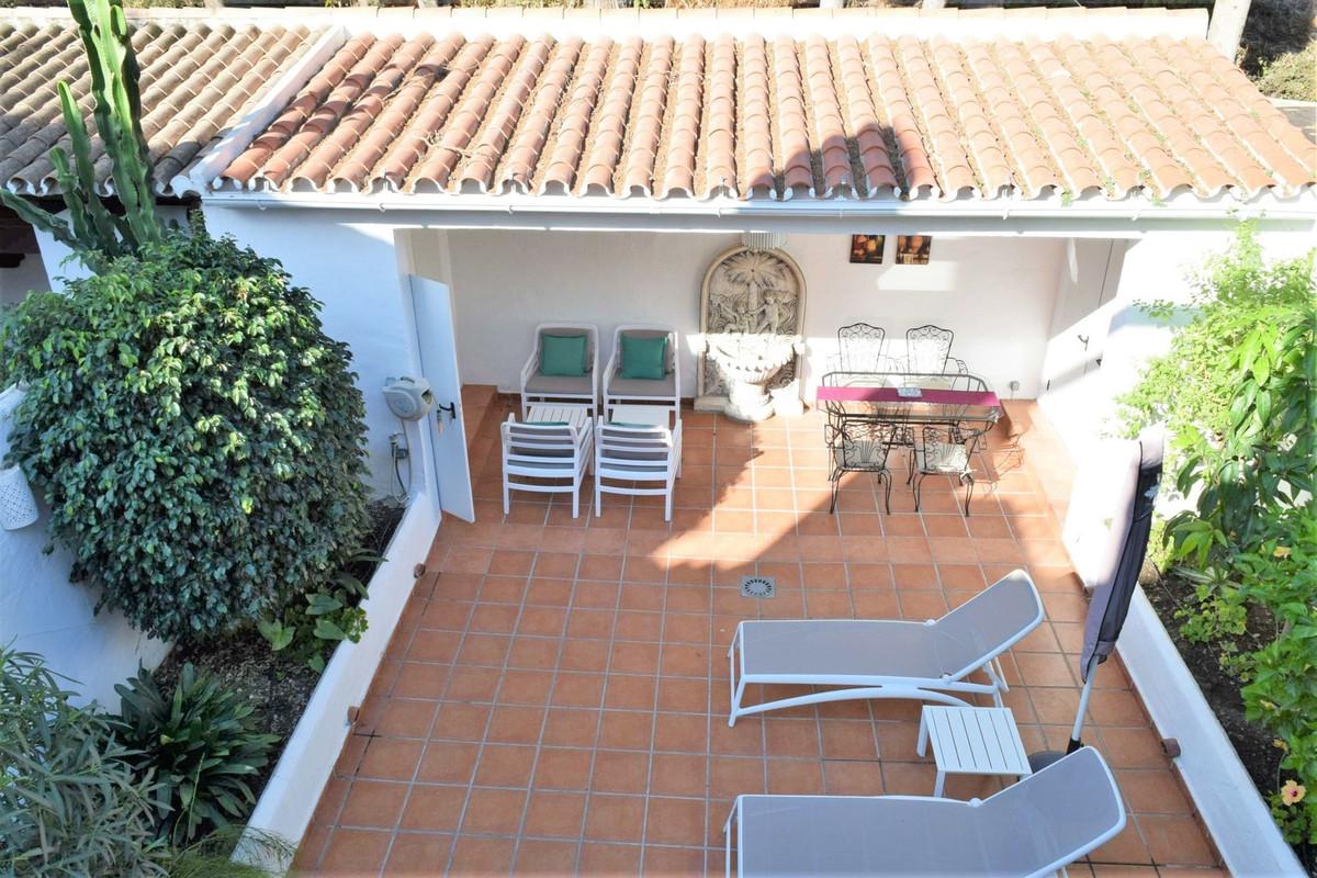A very nice Townhouse in Los Naranjos de Marbella, 1.2 km from Puerto Banus. Three bedrooms spacious,Spain