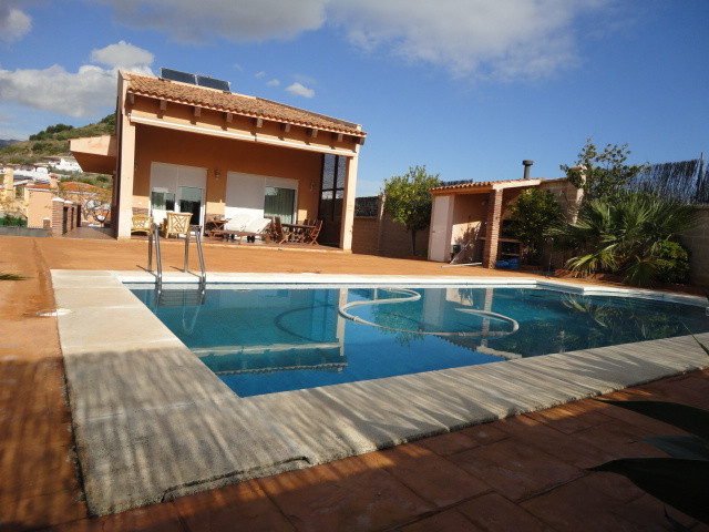 Beautiful Villa in Benalmadena Costa, near the beach, schools and supermarkets.  The Villa is westfa,Spain