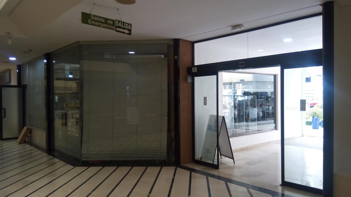 "100% SALE, NOT TRASPASO PROFITABLE REAL ESTATE IN THE POPULAR SHOPPING CENTER ""CRISTAMAR"" ,Spain"