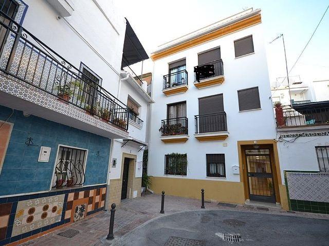 Excellent Studio in Arroyo de la Miel in a very quiet area, next to shops, close to the train of the,Spain