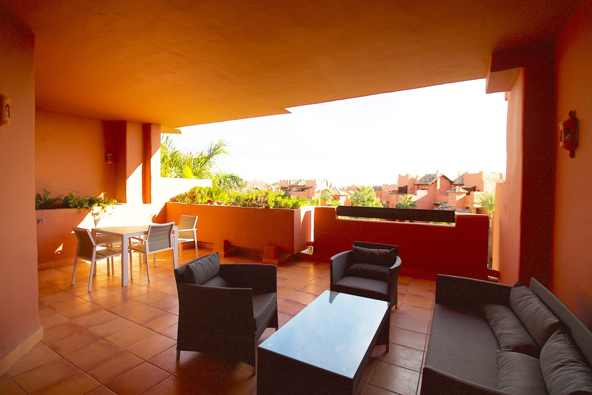 Las Nayades, three bedroom beachside apartment with indoor swimming pool !!!  Spacious 3 bedroom 2 b,Spain
