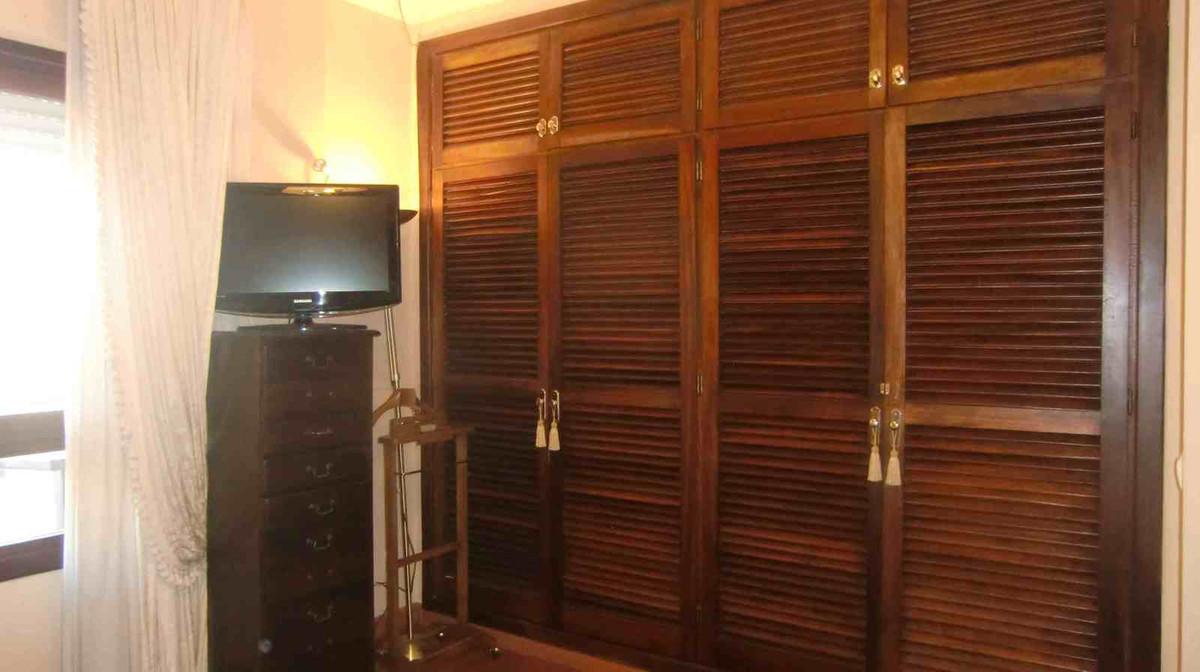 Middle Floor Apartment, Marbella, Costa del Sol. 3 Bedrooms, 3 Bathrooms, Built 220 m².  Se,Spain