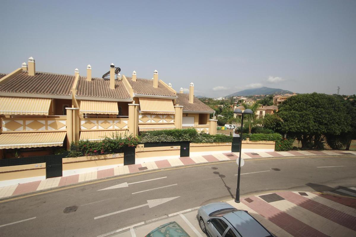2 bedroom apartment in La Quinta, Nueva Andalucia  spacious and bright in residential area five minu,Spain
