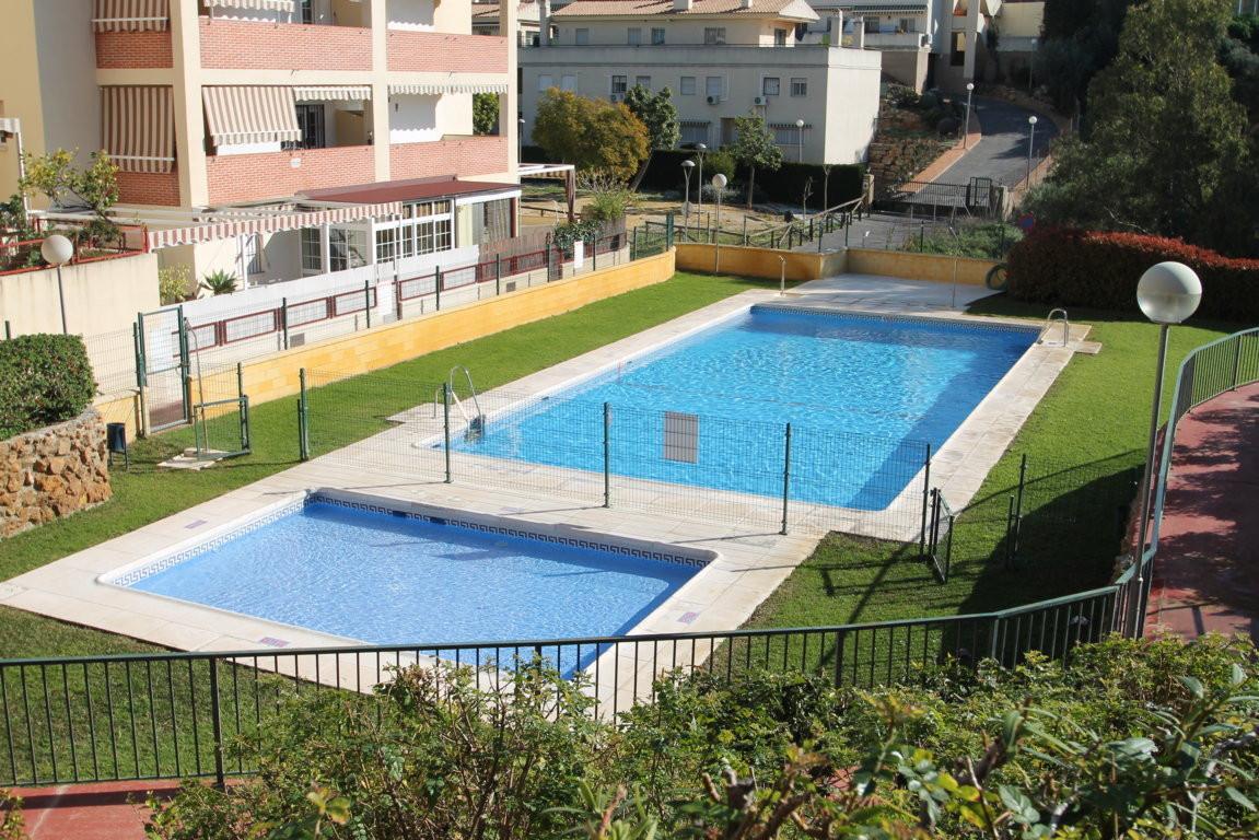 Gran Oportunidad, vivienda en Rincon de la Victoria. vivienda ubicada en conjunto residencial cerrad,Spain