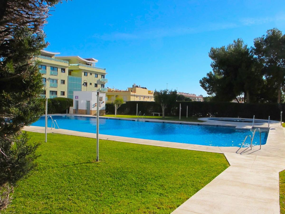 IBI; 350€   Community; 43€    Rubbish; 50€  Apartment located in Las Lagunas 3 bedrooms 1 bathroom 1,Spain