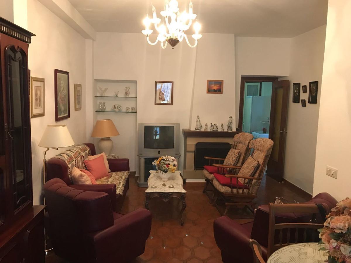 Ground Floor Apartment, San Pedro de Alcantara, Costa del Sol. 2 Bedrooms, 1 Bathroom, Built 69 m². ,Spain