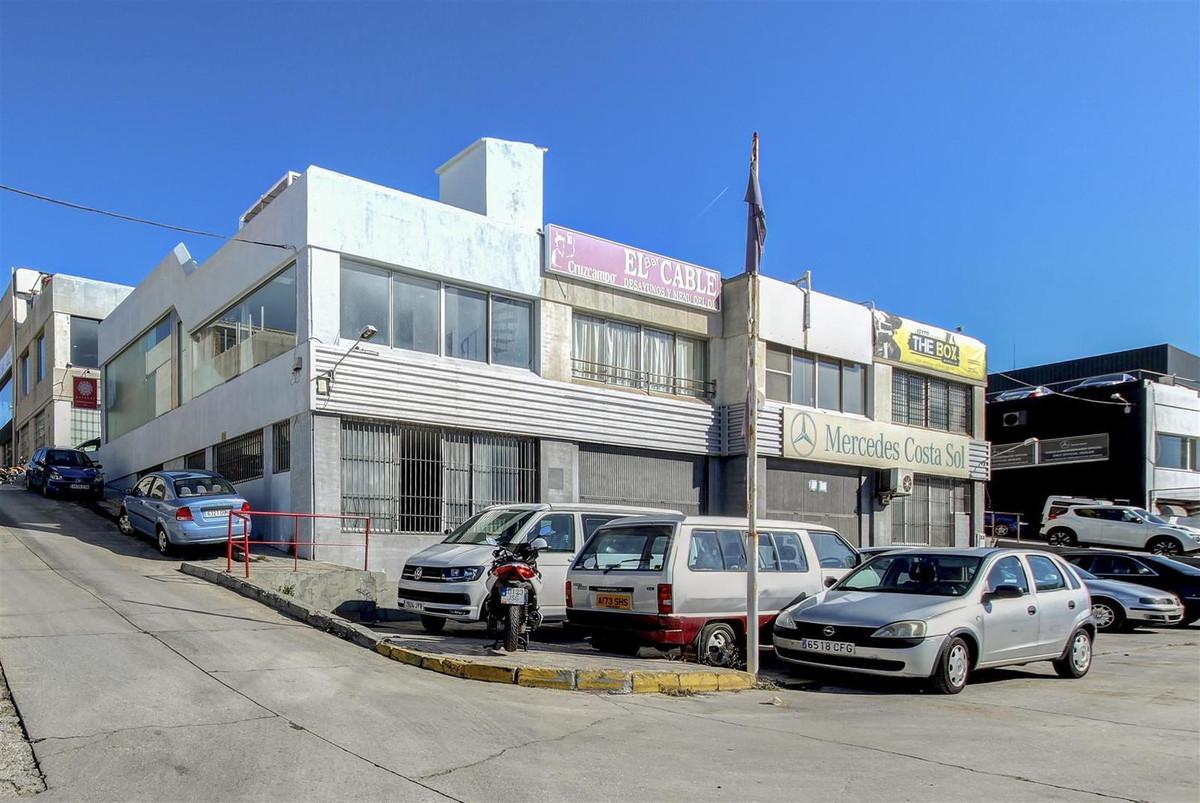 Commercial Premises, Marbella, Costa del Sol. Built 95 m², Terrace 100 m².  Setting : Beachfront, Co,Spain