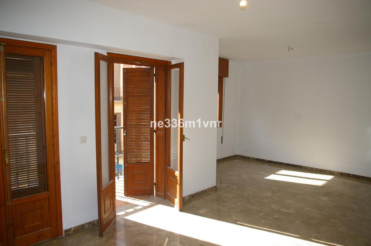 Vivienda exterior situada en el centro historico de Malaga con un total de 144 metros cuadrados. Dis,Spain
