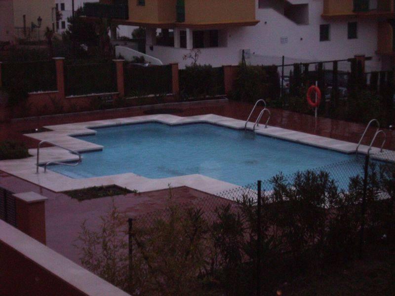 Apartamento con un dormitorio y un bano, piscina comunitaria, ubicada al lado de todos los serviciosSpain