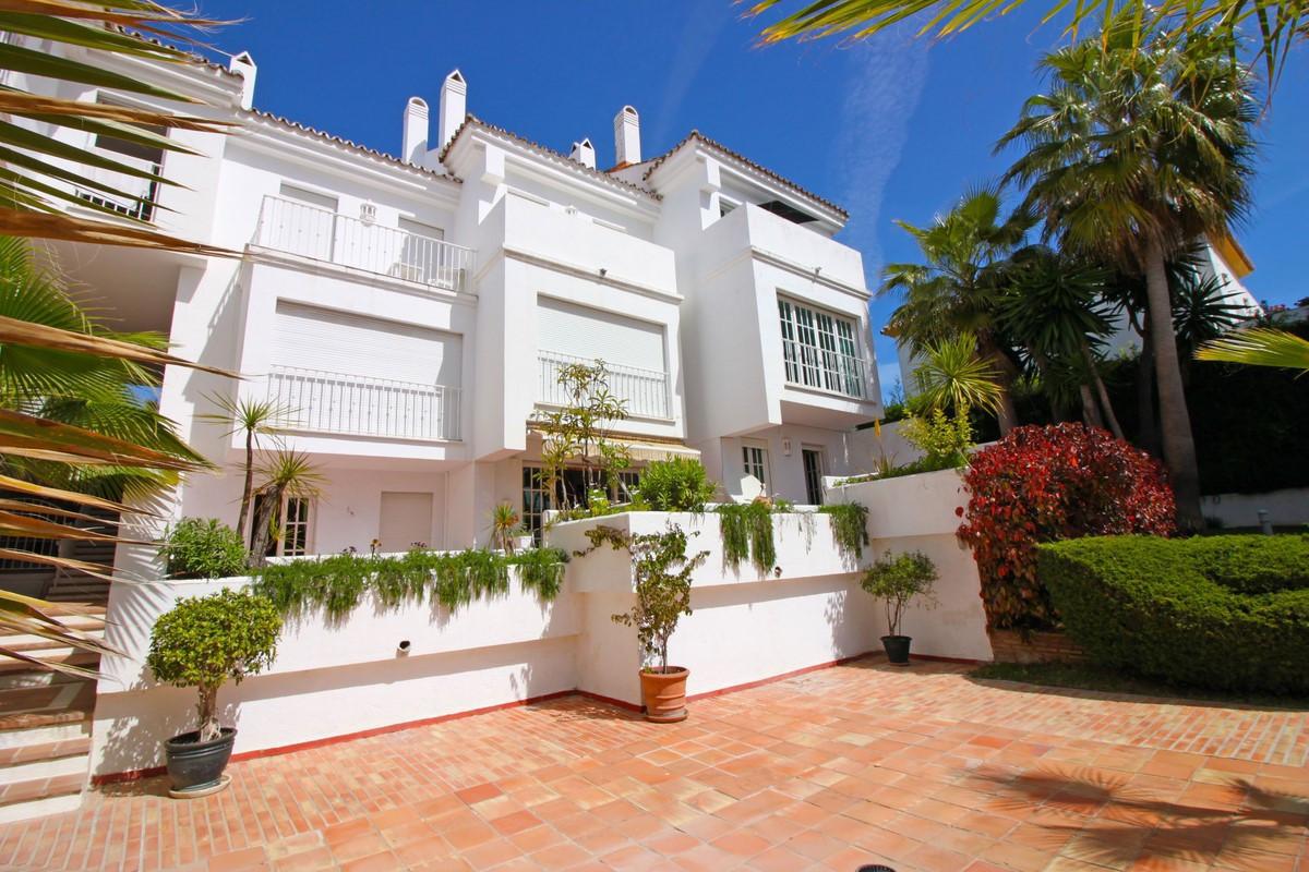 Spacious 3 bedroom apartment close to Puerto Banus, Marbella. The apartment has 124 m2 and  enjoys m,Spain