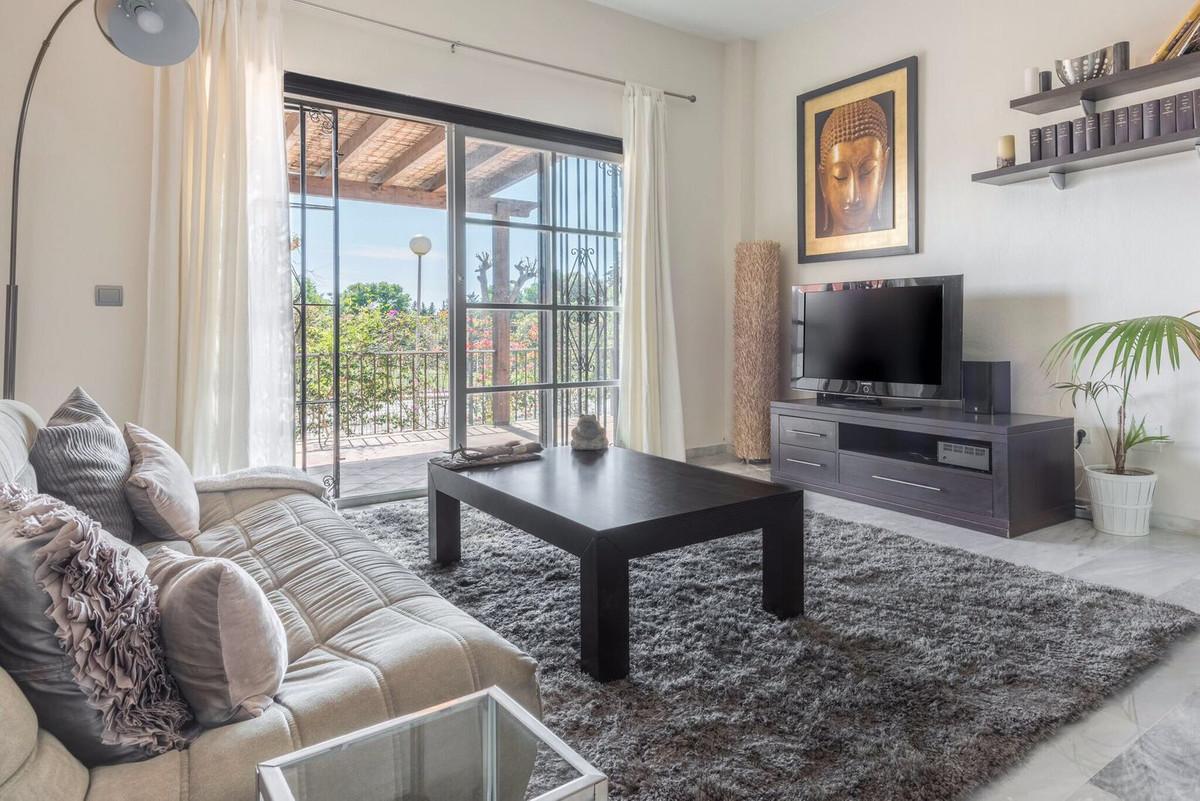 Adosados, Nueva Andalucia, Costa del Sol. 3 Dormitorios, 3 Banos, Construidos 200 m², Terraza 20 m²,,Spain