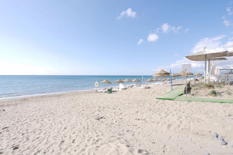 Urbanization located in first line in Elviria beach!!!!!  South facing studio, ground floor with vie,Spain