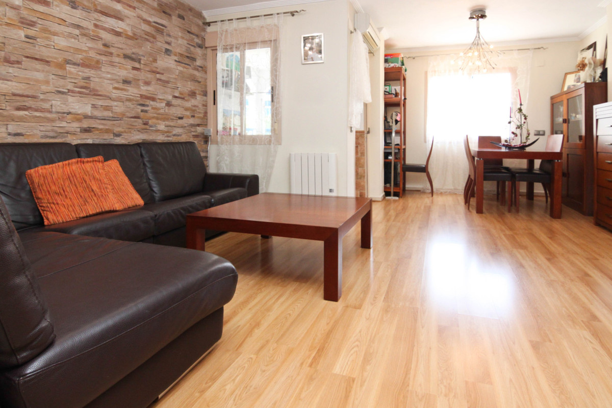 Middle Floor Apartment, Las Lagunas, Costa del Sol. 2 Bedrooms, 2 Bathrooms, Built 95 m², Terrace 10,Spain