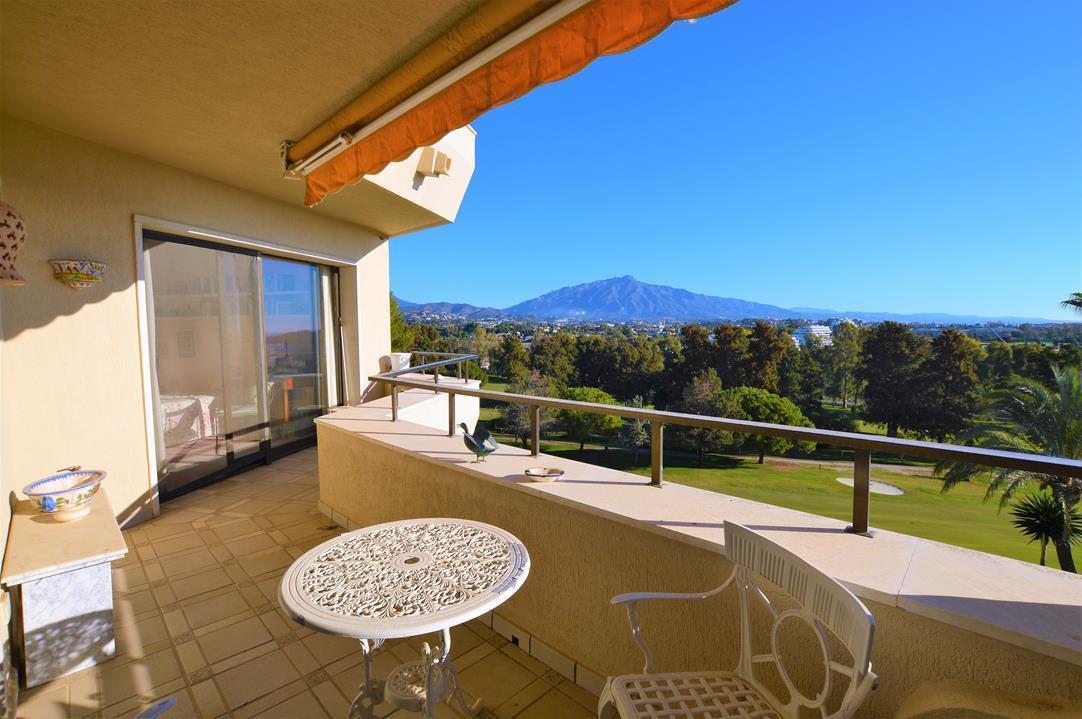 Middle Floor Apartment, Estepona, Costa del Sol. 1 Bedroom, 2 Bathrooms, Built 124 m², Terrace 22 m²,Spain