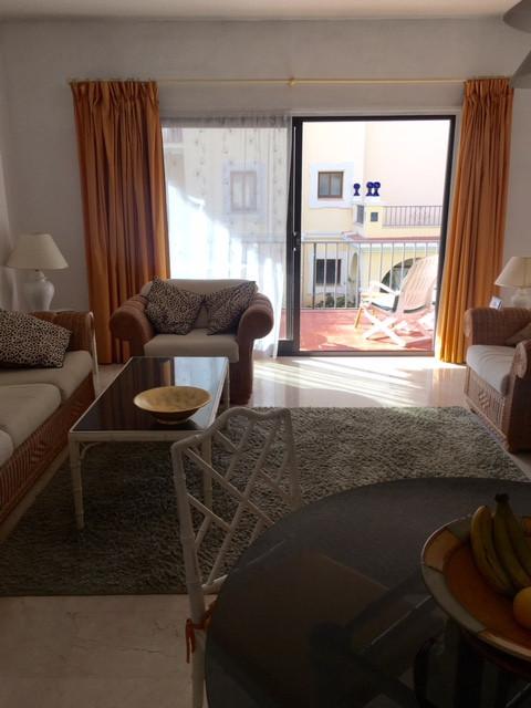 Espectacular apartamento en Puerto Banus , en primera linea de Playa , bien comunicado , rodeado de ,Spain