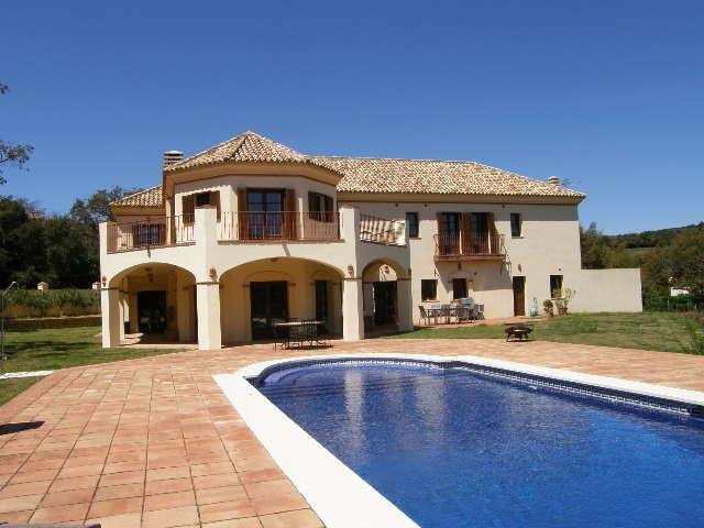 Sotogrande Alto: 5 bedroom 5 bathroom family villa set with mature oak trees and close to Valderamma,Spain