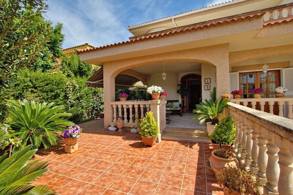 House in Pont D`Inca Nou (Marratxi) Mediterranean style distributed on two floors. It has 4 Bedrooms,Spain