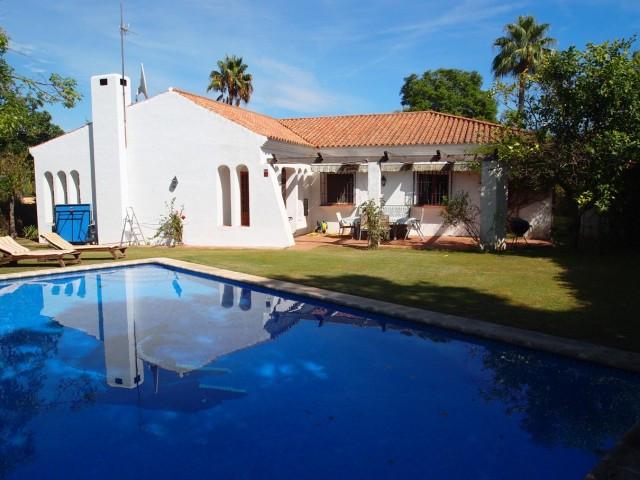 Sotogrande Costa: 4 bedroom 3 bathroom single leve villa within the B zone of the Costa, close to am,Spain