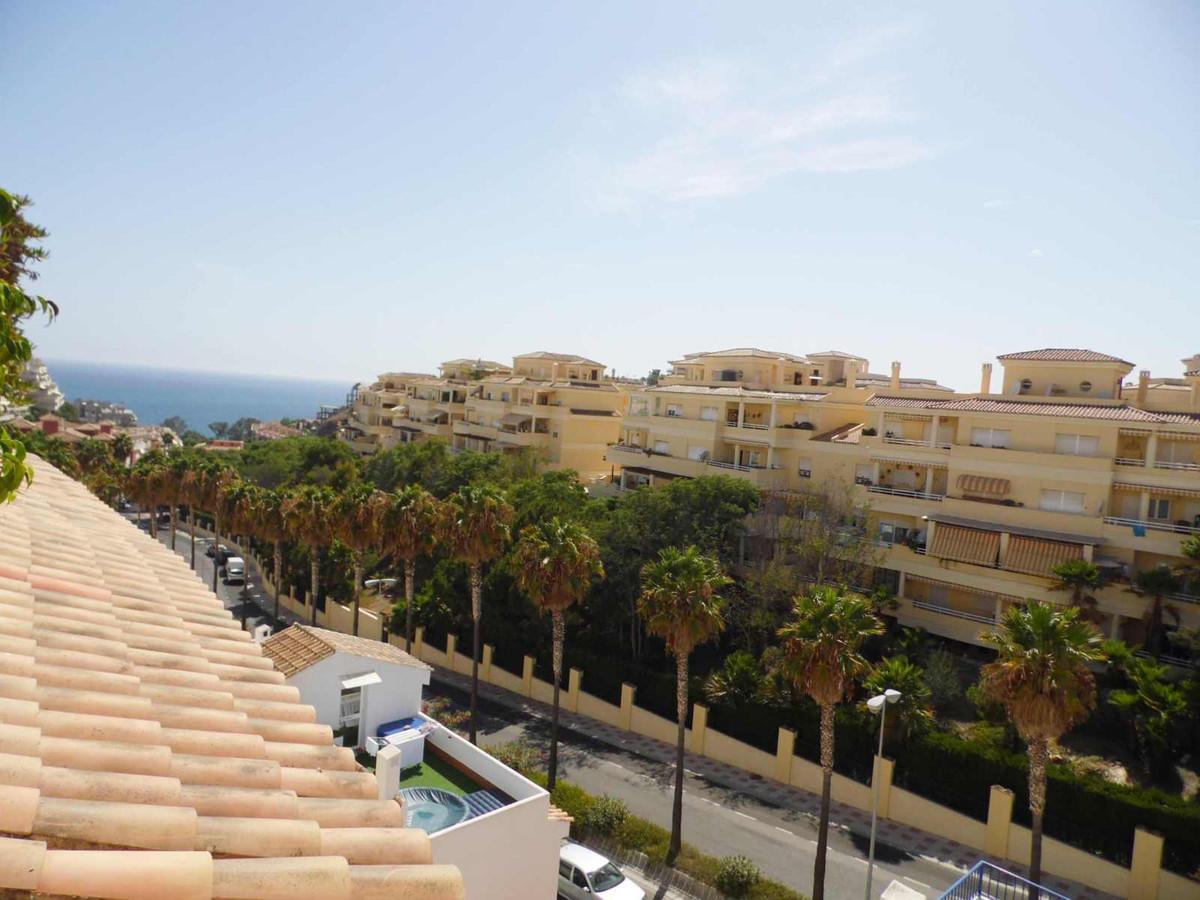 Gran oportunidad para vivir en una zona exclusiva de Benalmadena, cerca de todos los comercios neces,Spain