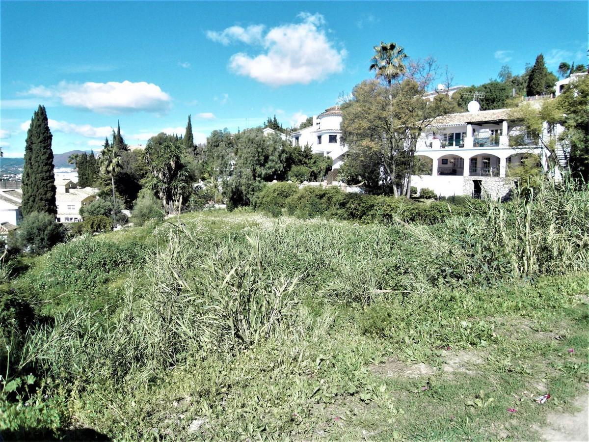 Residential Plot, Sierrezuela, Costa del Sol. Garden/Plot 1350 m².  Setting : Close To Shops, Close ,Spain