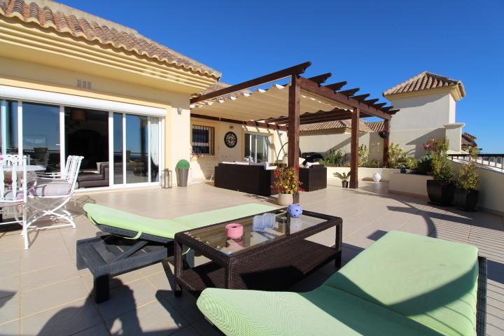 San Roque Golf: Amazing 3 bedroom 3 bathroom duplex penthouse. Recently undergone a major reform and,Spain