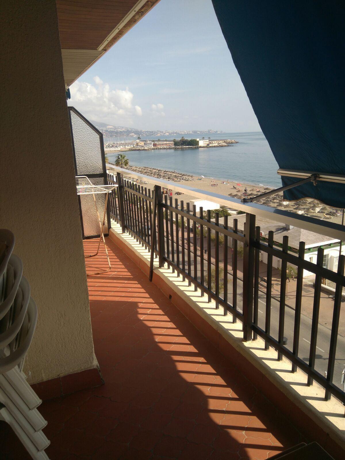 Middle Floor Apartment, Fuengirola, Costa del Sol. 3 Bedrooms, 2 Bathrooms, Built 93 m², Terrace 17 ,Spain