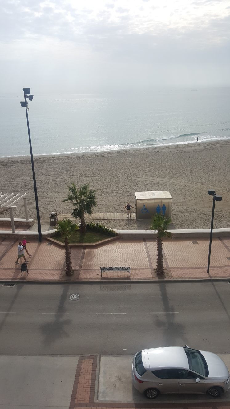 Middle Floor Apartment, Fuengirola, Costa del Sol. 2 Bedrooms, 1 Bathroom, Built 72 m2;, Terrace 16 ,Spain