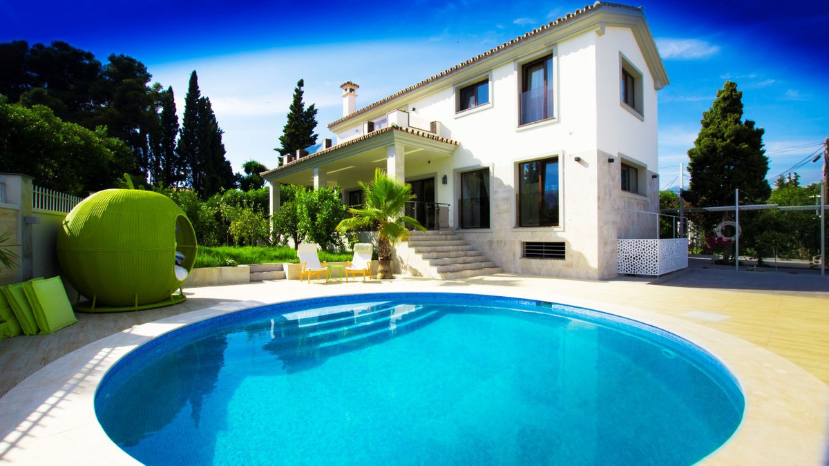 Detached Villa, San Pedro de Alcantara, Costa del Sol. 4 Bedrooms, 3 Bathrooms, Built 360 m², Terrac,Spain