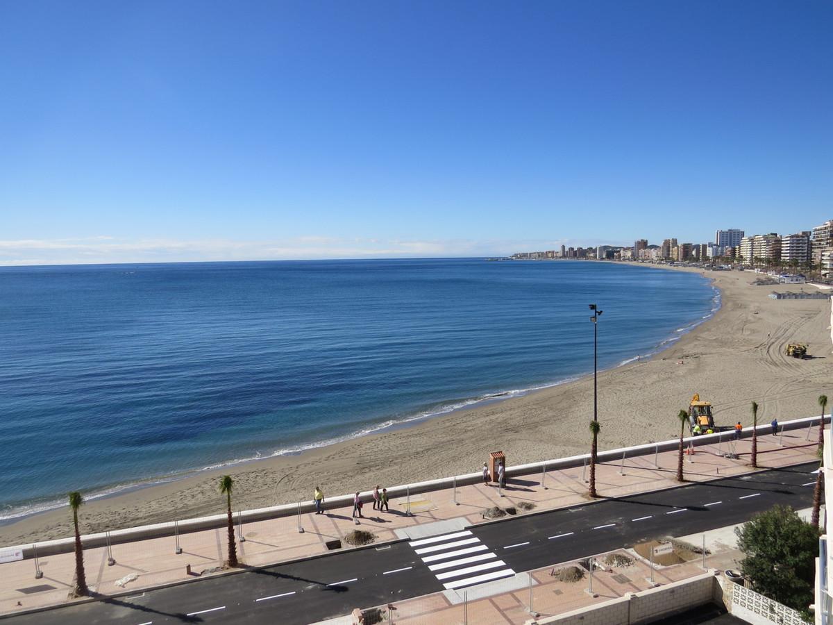 Large renovated 3 bedroom and 1 bathroom Front Line Beach apartment in Torreblanca (Fuengirola). It ,Spain