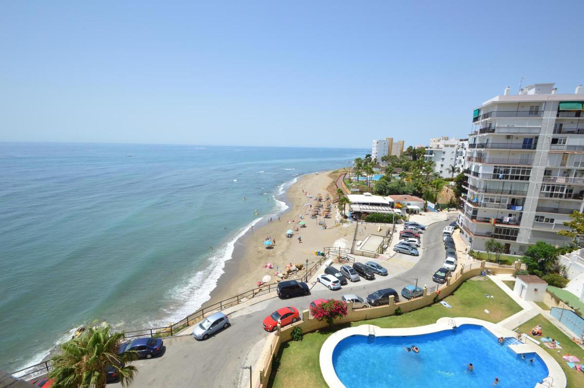 FLOOR VER CHEAP FRONTLINE BEACH!  Mijas- Costa, Zona Alhamar. GREAT OPPORTUNITY! Fabulous studio on ,Spain