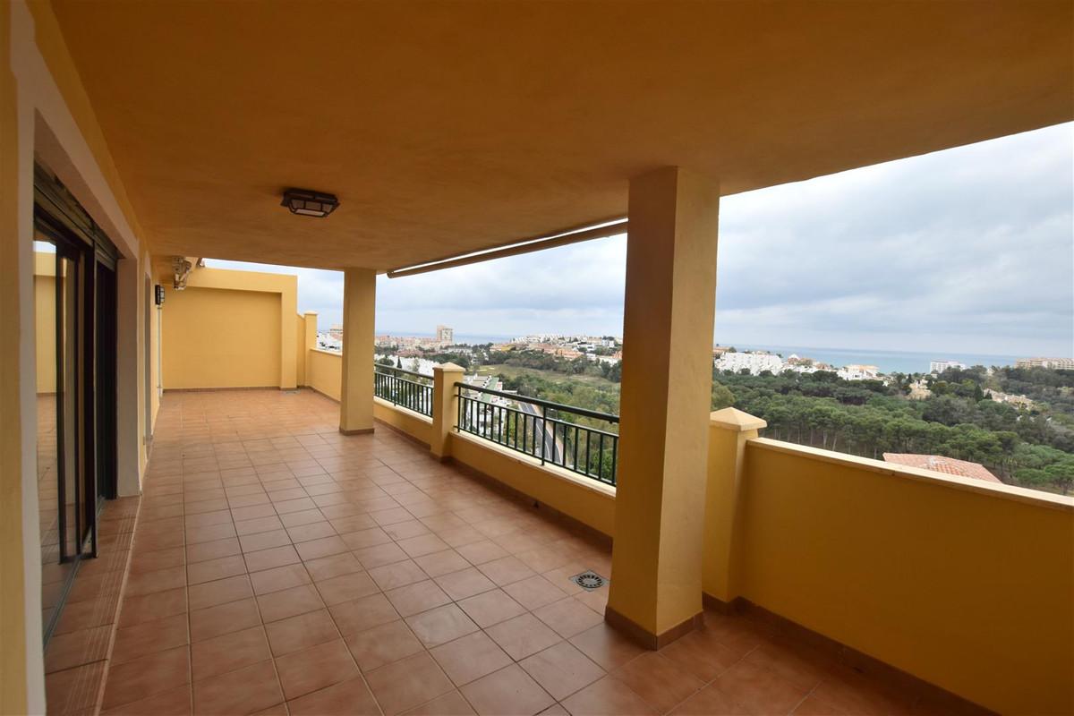 Penthouse, Benalmadena, Costa del Sol. 3 Bedrooms, 2 Bathrooms, Built 99 m², Terrace 36 m².  Setting,Spain