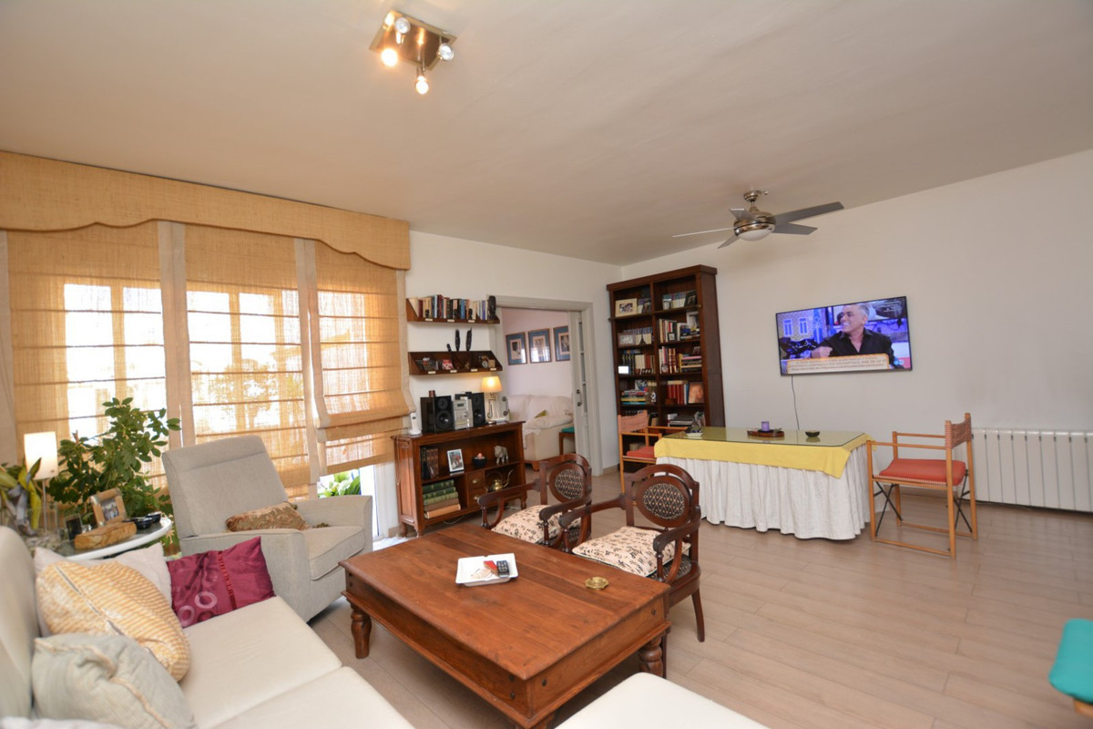 !!! DUPLEX, LAS PETUNIAS AREA, SAN PEDRO ALCANTARA,NEAR THE BEACH AND PROMENADE !!! Fantastic duplex,Spain