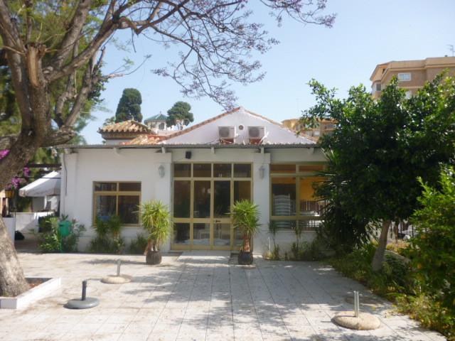 Restaurant + property for sale in Torremolinos!!!!  Located in the area of El Bajondillo, close to t,Spain