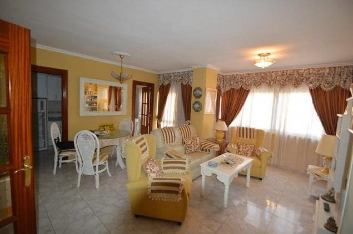 Middle Floor Apartment, Benalmadena, Costa del Sol. 2 Bedrooms, 1 Bathroom, Built 75 m².  Utilities ,Spain