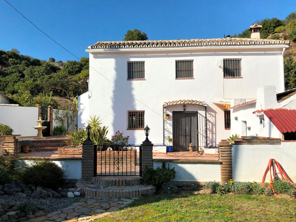 Finca - Cortijo, Coin, Costa del Sol. 6 Bedrooms, 2 Bathrooms, Built 212 m², Terrace 50 m², Garden/P,Spain
